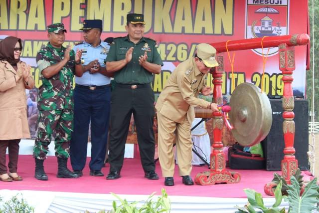 Plt Bupati Mesuji H.Sapli TH Pimpin Pembukaan Karya Bakti TNI 2019