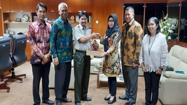 Bupati Tanggamus Tandatangani MoU  Pengembangan Kawasan Holtikultura Berdaya Saing di Kementerian Pertanian