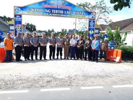 Ditlantas Polda Lampung Asistensi Desa Mulyo Agung Mesuji Tertib Lalu Lintas