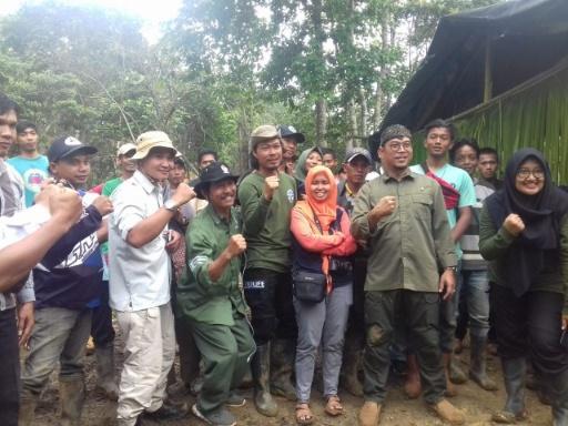 KPHL VIII Batu Tegi Bersama Internasional Animal Rescue Tanam Pohon di Hutan Register 39