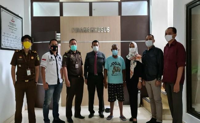 Diduga Korupsi Mantan Kepala Kampung Sidomukti Diserahkan ke Kejari Menggala