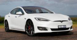 Mobil Listrik Tesla S, Kemudi seperti Pesawat, Harga Miliaran