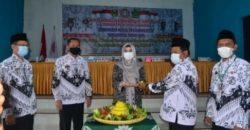Bupati Dewi Handajani Buka Konferkab PGRI Kabupaten Tanggamus