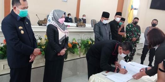 Bupati Tanggamus Dewi Handajani Hadiri Sidang Paripurna DPRD Tanggamus Masa Sidang ke II Tahun 2021