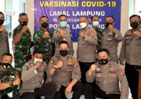 Biddokkes Polda Bersama Lanal Lampung Gelar Vaksinasi Covid-19